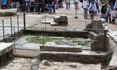 римский форум лапис нигер