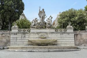 Пьяцца дель Пополо. Фонтан Нептун